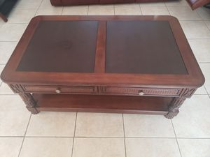 Large Wood Leather Coffee Table with 2 drawers and book shelf below for Sale in Boca Raton, FL