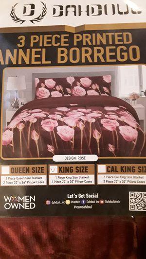 Sherpa Blanket 3 piece 2 pillow cases and blankets King Queen good quality Cobija de Borrego for Sale in Vista, CA