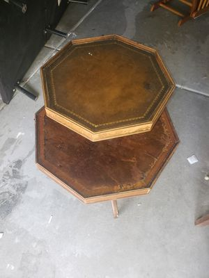 Antique wooden spinning table . for Sale in Las Vegas, NV