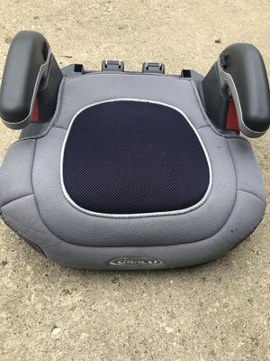 Child booster seat for Sale in Naperville, IL