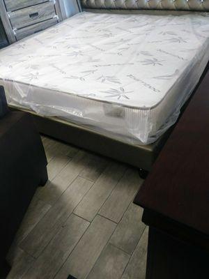 King size mattress set for Sale in Orlando, FL