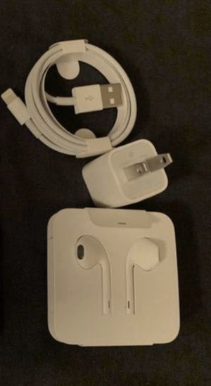 Apple iPhone charger and headphones wired for Sale in Hayward, CA