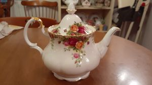 "Royal Albert Teapot ""Old Country Roses' for Sale in Kingsley, PA"
