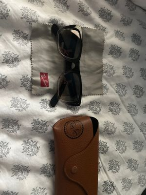 RAY BAN sunglasses for Sale in Fairfield, CA