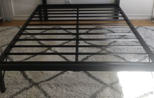 Queen size bed frame for Sale in Brooklyn, NY