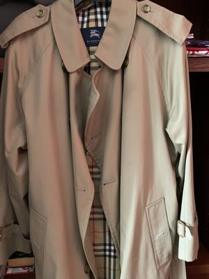 Burberry Trenchcoat for Sale in Sarasota, FL