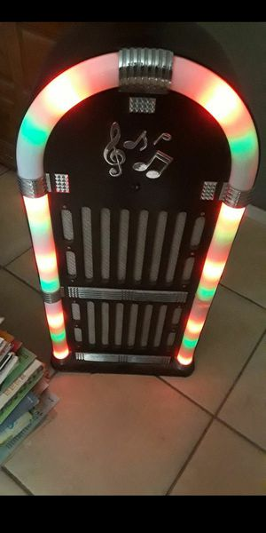 Lightshow Bluetooth Wireless Jukebox Stereo Sound System with LED for Sale in Hesperia, CA