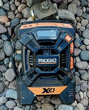 Ridgid radio and led light for Sale in Tucson, AZ