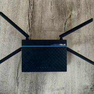 Asus AC1300 Dual Band Gigabit Router for Sale in Aloha, OR