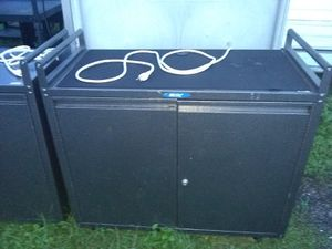 Rolling cabinet with keyboard Caster wheels on bottom for Sale in Gibsonton, FL