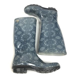 UGG Australia paisley bandana blue white rain boots for Sale in Fenton, MO