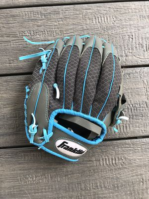 Franklin grey and blue baseball glove for Sale in Broomfield, CO