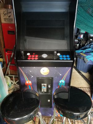 Arcade stand up console. Nearly 1000 classic games for Sale in Portland, OR