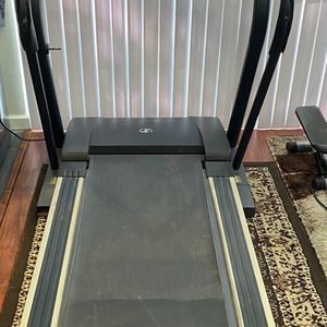 I CAN DELIVER NORDICTRACK C2000 TREADMILL IN GREAT CONDITION for Sale in San Dimas, CA