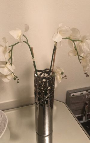 Vase with flower for Sale in Scottsdale, AZ