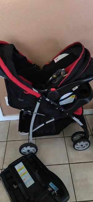 Graco 3 piece infant car seat and stroller for Sale in Deer Park, TX