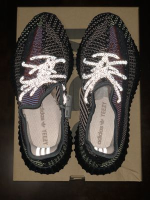 Yeezy boost 350 V2 size 9 YECHEIL for Sale in Los Angeles, CA