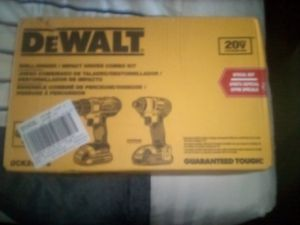 DeWalt drill set 20 volt impack drive and drill for Sale in West Sacramento, CA