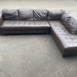 Brown Natuzzi Leather Sectional With Right Side Chaise for Sale in Kirkland,  WA