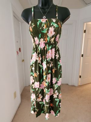Sun 👗 dresss for Sale in St. Peters, MO