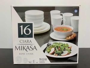 Dinnerware Set Plates Bowls Cups Juego de Cocina Platos Vasos 16Pcs Mikasa Ciara for Sale in Miami, FL