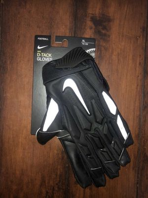 Nike D-Tack Football Gloves| S:XL | BLACK/WHITE for Sale in Los Angeles, CA