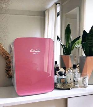 Cooluli mini fridge for Sale in Miami, FL