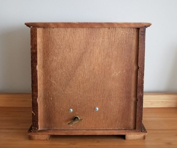 Vintage 70s Farrington Wind-up Musical Wooden Jewelry Chest