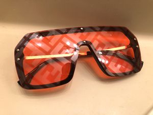 Fendi Aviator FF sunglasses for Sale in Burtonsville, MD