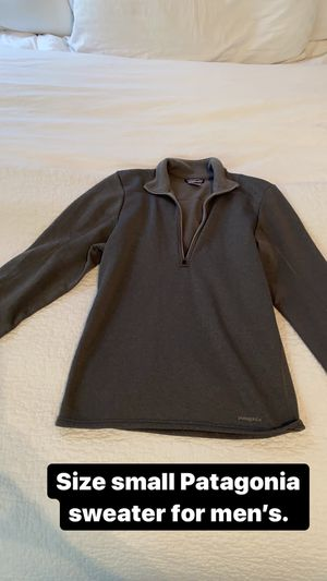 Size Small Patagonia men's pull over sweater for Sale in Plano, TX