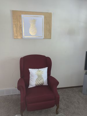 Chair,pillow and 3 boxes for Sale in Fort Dodge, IA