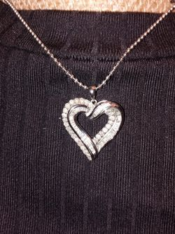 Heart Necklace Great Condition for Sale in Spartanburg,  SC