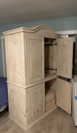Large Vintage Armoire for Sale in Redondo Beach,  CA