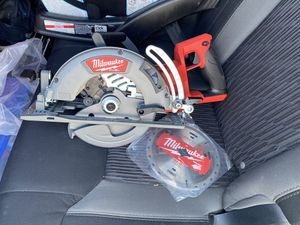 Milwaukee M18 FUEL 7-1/4 in. Rear Handle Circular Saw (Tool-Only) for Sale in San Diego, CA