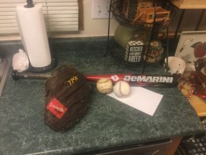 "Baseball package including Louisville TPX 12"" left handed glove, 3 baseballs, DeMarini Nitro model baseball bat size 20 ounce and 30"" for Sale in Plainfield, IL"