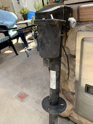 Ultra Electric Tongue jack 12 volt for Sale in Arcadia, CA