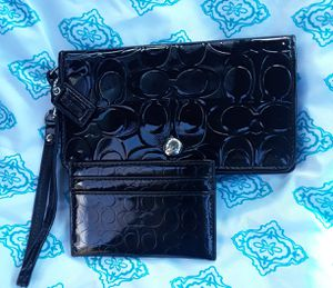 Never used!! Authentic Coach Patent Leather Signature Wallet Set for Sale in Indianapolis, IN