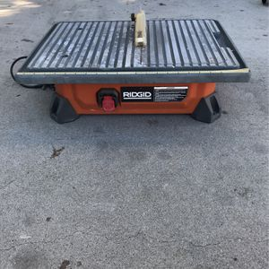 ( RIDGID 7) Table Saw for Sale in Huntington Beach, CA
