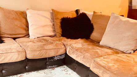 Super Comfy Sectional Couch for Sale in Covington,  WA