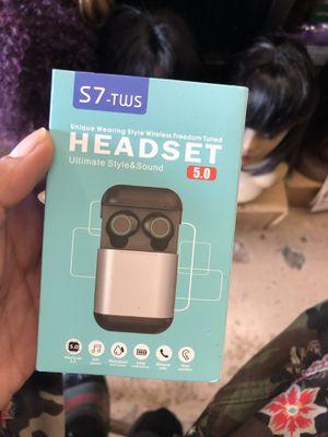 Bluetooth headphones for Sale in Miami, FL