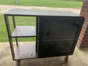 Rolling cart with locking wheels for Sale in Manvel, TX