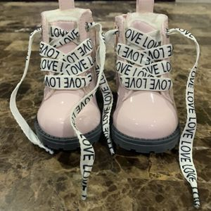 H&M baby girl boots for Sale in City of Industry, CA