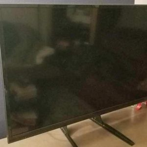 Tv And Tv Stand for Sale in Los Angeles, CA