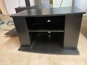 TV stand 32 x 20 in for Sale in Canton, MI