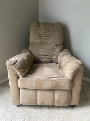 Small Recliner for Sale in St. Louis, MO
