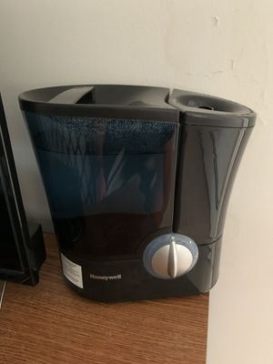 Honeywell Humidifier Like New for Sale in South Orange, NJ