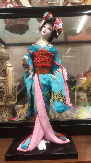 Vintage geisha doll boho decor pick up la Mesa for Sale in San Diego, CA