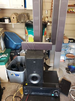 Rca Audio receiver/amplifier w/sub, 4 tower channel satellite speakers and 1 center bar for Sale in Tiverton, RI