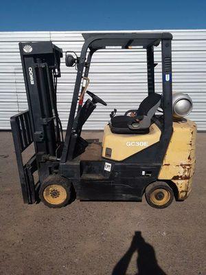 Daewoo 6000lb Forklift for Sale in Phoenix, AZ
