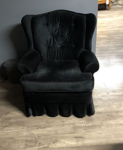 Black accent chair for Sale in Chino,  CA